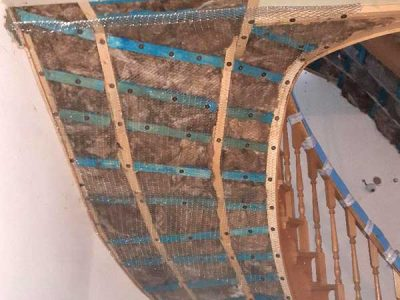 Mesh and insulation staircase